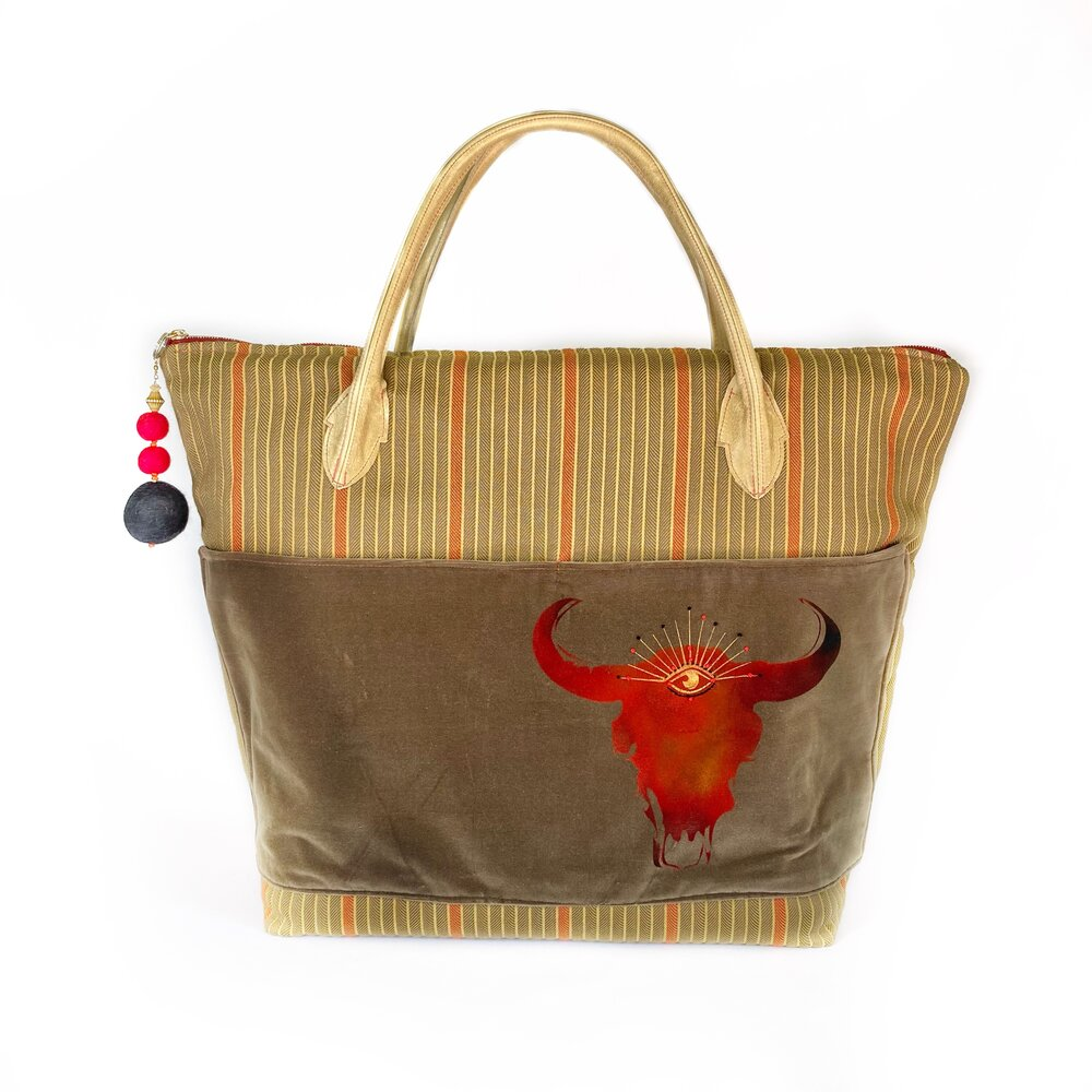 Front Tote